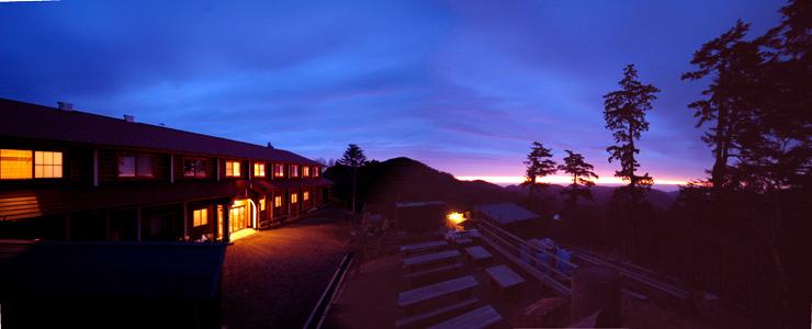 雲取山荘の朝