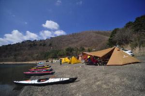 快晴湖畔キャンプ
